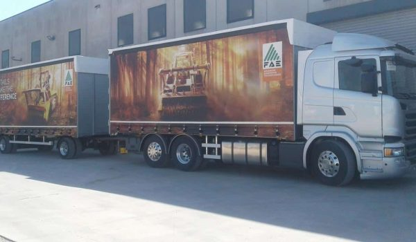 Construction of curtainsider trucks, vans and industrial vehicles. Curtains for vehicles